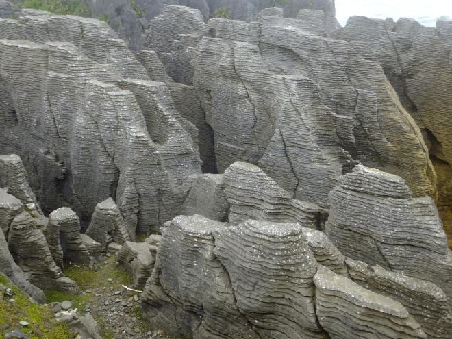 Stylobedding geologic formation of Pancake Rocks